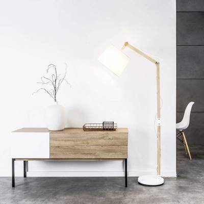 lampadaire scandinave bois blanc carlyn